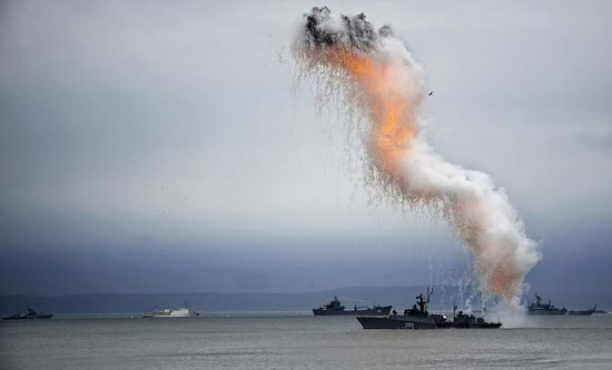 Navy Day celebrations, Vladivostok, Russia photo 23