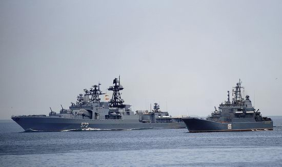 Navy Day celebrations, Vladivostok, Russia photo 26