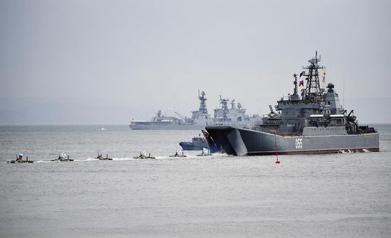 Navy Day celebrations, Vladivostok, Russia photo 29