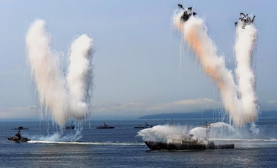 Navy Day celebrations, Vladivostok, Russia photo 37