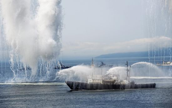 Navy Day celebrations, Vladivostok, Russia photo 38