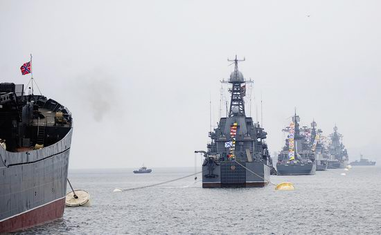 Navy Day celebrations, Vladivostok, Russia photo 5