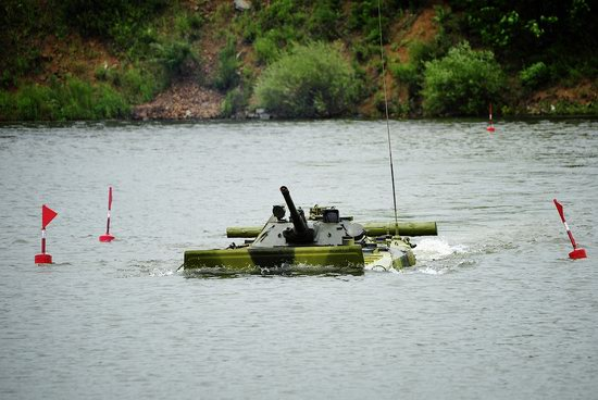 Military exercises, surmounting water obstacles, Russia photo 13