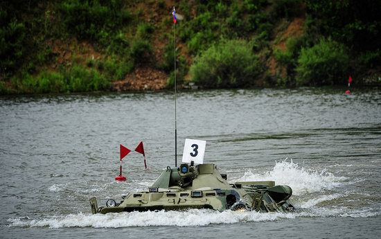 Military exercises, surmounting water obstacles, Russia photo 17