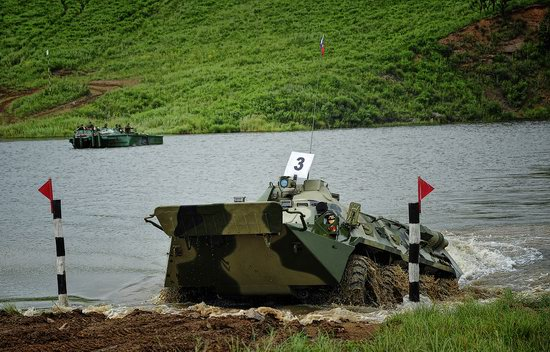 Military exercises, surmounting water obstacles, Russia photo 18