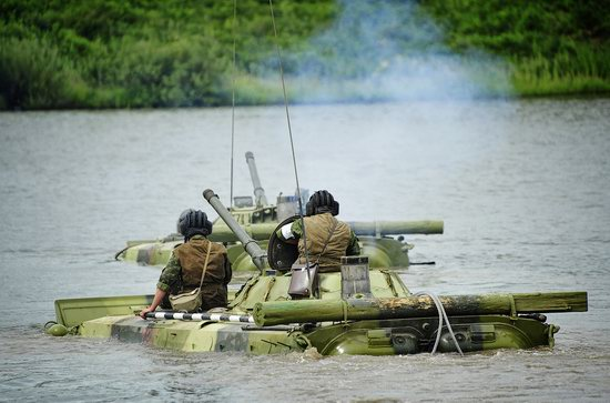 Military exercises, surmounting water obstacles, Russia photo 21