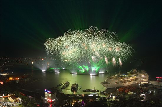 Light show in honor of the APEC Summit in Vladivostok, Russia photo 10