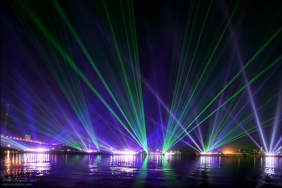 Light show in honor of the APEC Summit in Vladivostok, Russia photo 12