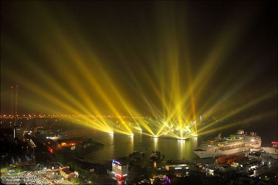 Light show in honor of the APEC Summit in Vladivostok, Russia photo 16