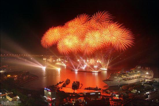 Light show in honor of the APEC Summit in Vladivostok, Russia photo 18