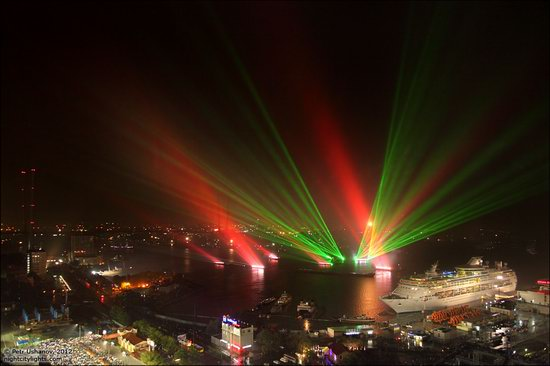 Light show in honor of the APEC Summit in Vladivostok, Russia photo 6