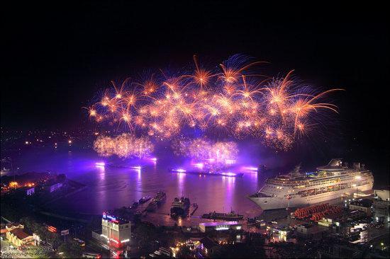 Light show in honor of the APEC Summit in Vladivostok, Russia photo 8