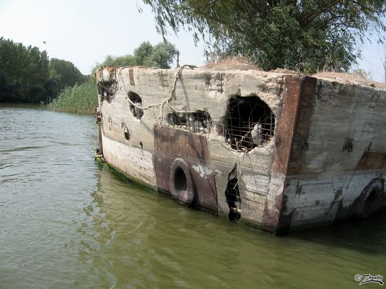 Abandoned concrete ship, Astrakhan region, Russia photo 2