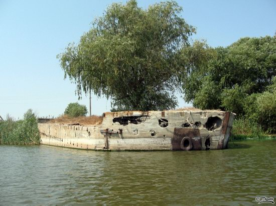 Abandoned concrete ship, Astrakhan region, Russia photo 4