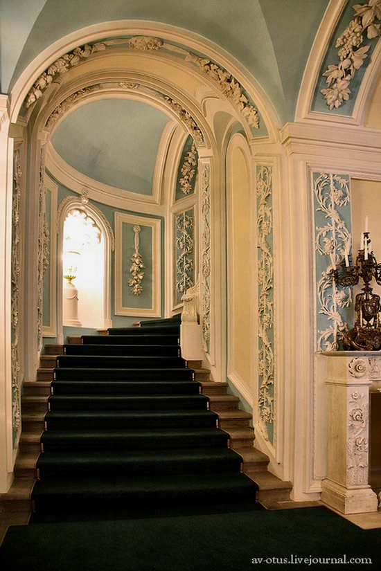 The Petrovsky palace, Moscow, Russia photo 11
