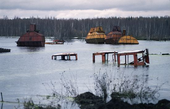 Abandoned peat extraction site near Moscow, Russia photo 8