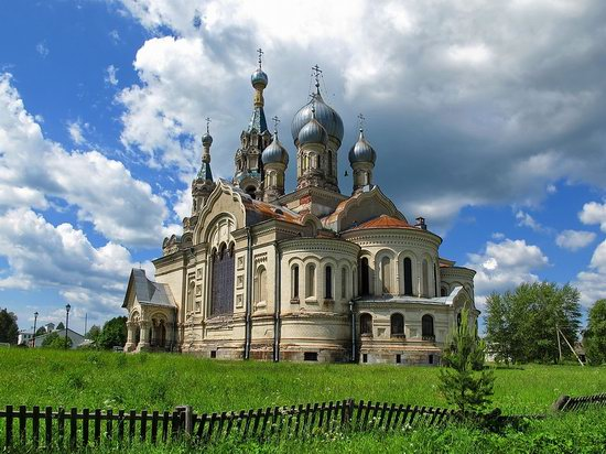 Savior Cathedral, Kukoboy village, Yaroslavl region, Russia photo 1