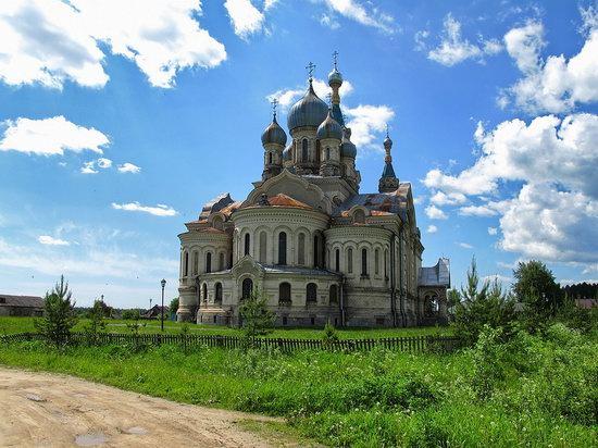 Savior Cathedral, Kukoboy village, Yaroslavl region, Russia photo 10