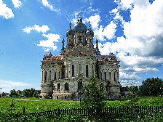 Savior Cathedral, Kukoboy village, Yaroslavl region, Russia photo 2