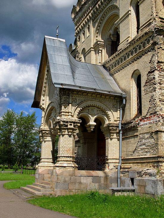 Savior Cathedral, Kukoboy village, Yaroslavl region, Russia photo 9