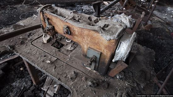 Abandoned textile factory that burned down, Russia photo 2
