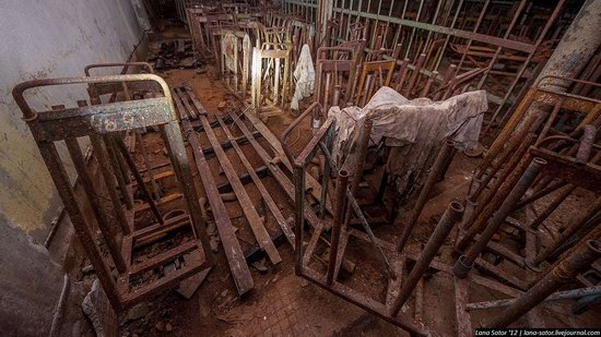 Abandoned textile factory that burned down, Russia photo 20