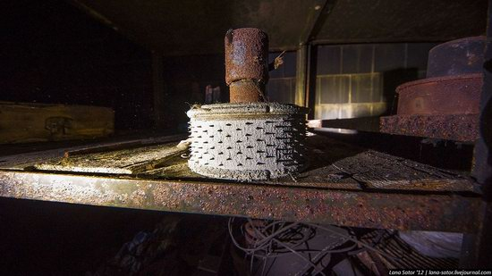 Abandoned textile factory that burned down, Russia photo 6
