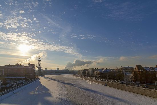 Moscow on a frosty day photo 3