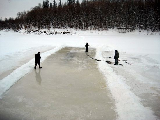 The life of a typical seismic prospecting crew in Russia photo 12