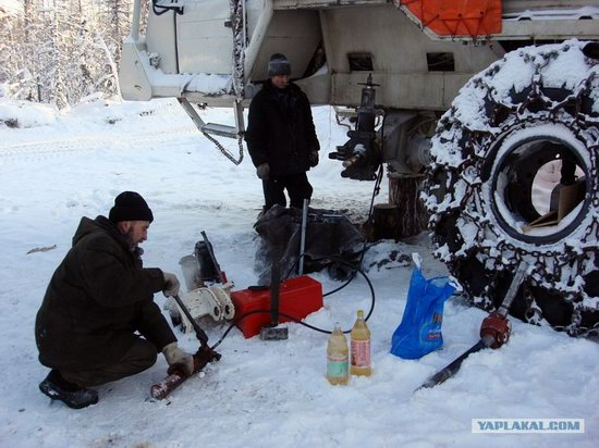 The life of a typical seismic prospecting crew in Russia photo 25