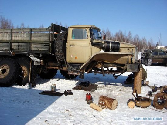The life of a typical seismic prospecting crew in Russia photo 28