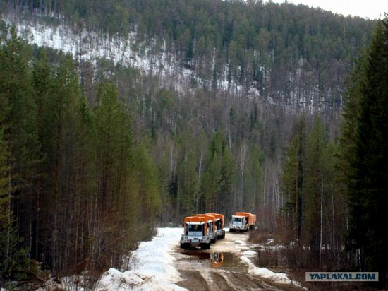 The life of a typical seismic prospecting crew in Russia photo 32