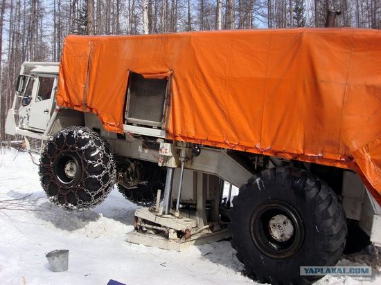 The life of a typical seismic prospecting crew in Russia photo 33