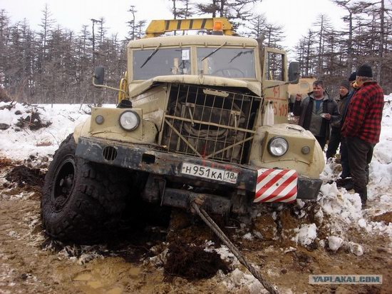 The life of a typical seismic prospecting crew in Russia photo 36