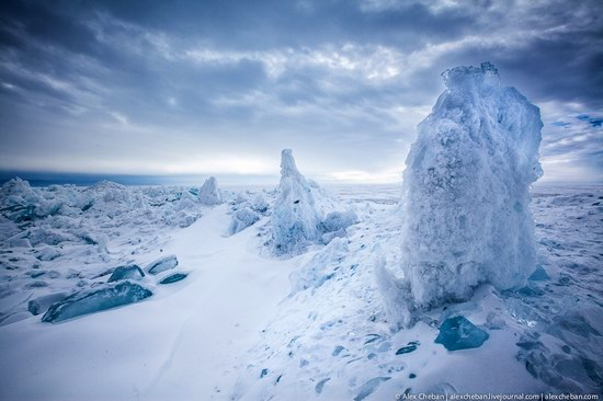Beautiful ice of Baikal Lake, Russia photo 11