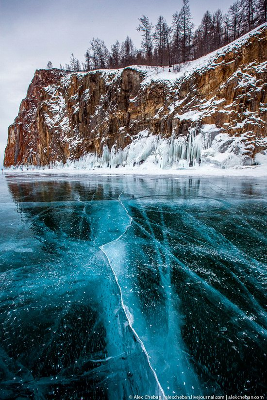Beautiful ice of Baikal Lake, Russia photo 8