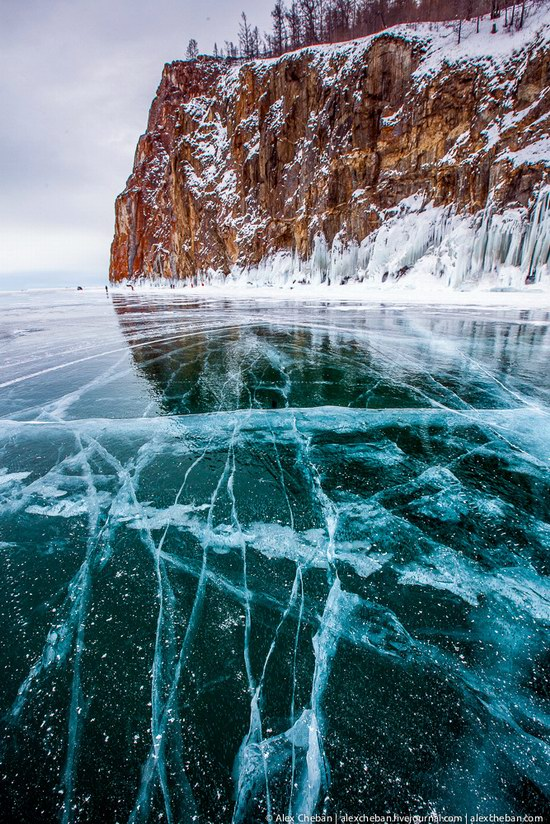 Beautiful ice of Baikal Lake, Russia photo 9