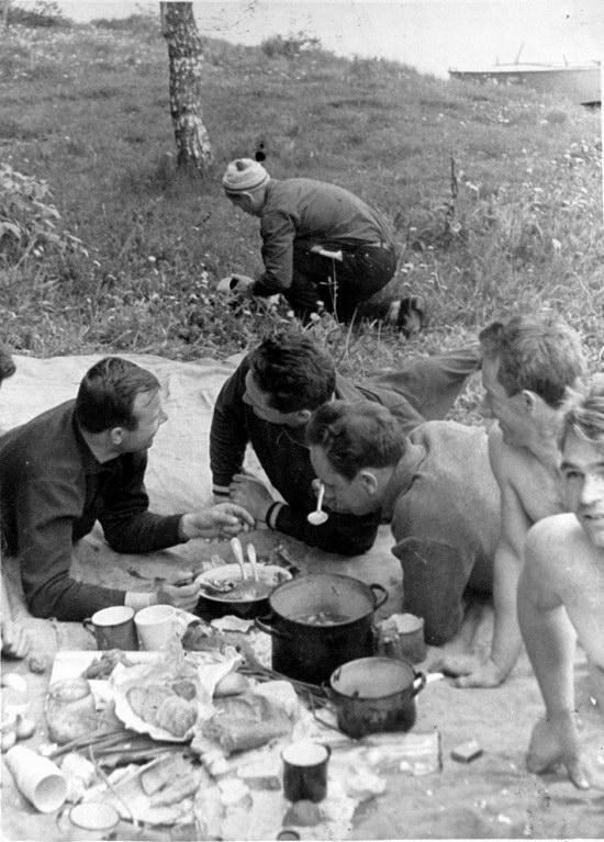The first Soviet cosmonauts picnic, photo 16