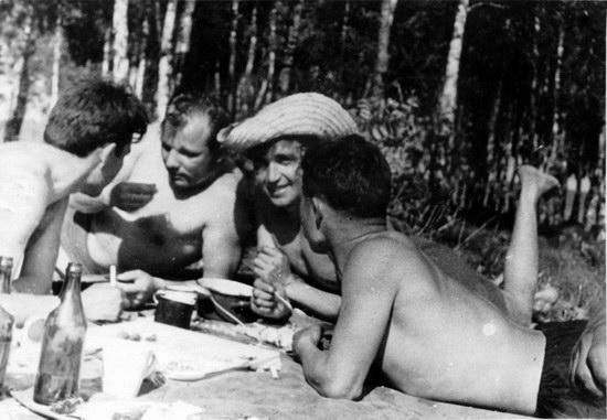 The first Soviet cosmonauts picnic, photo 19