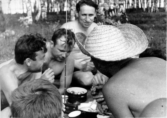 The first Soviet cosmonauts picnic, photo 3