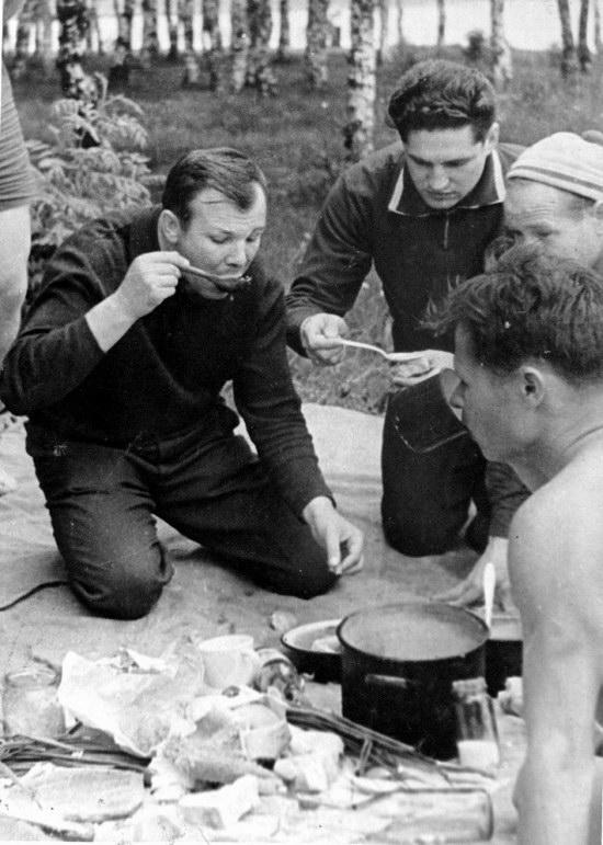 The first Soviet cosmonauts picnic, photo 7