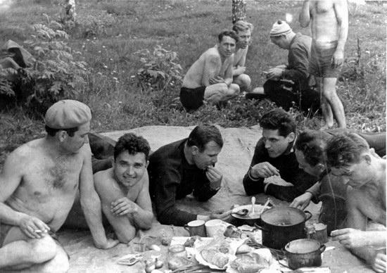 The first Soviet cosmonauts picnic, photo 9