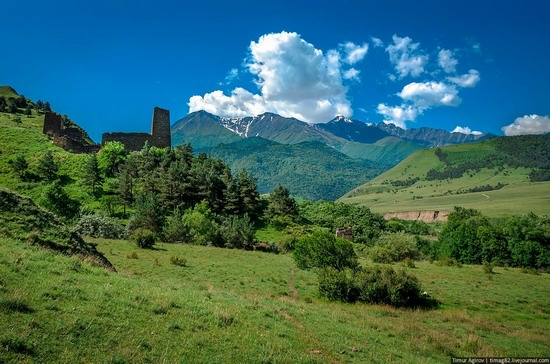 The beautiful scenery of the mountain Ingushetia, Russia photo 2