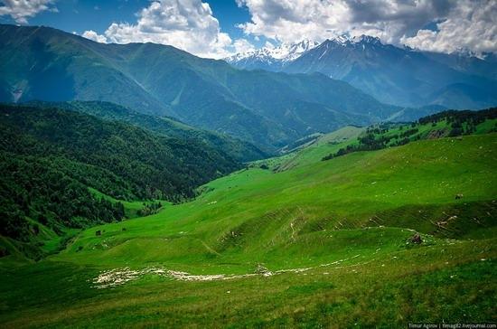 The beautiful scenery of the mountain Ingushetia, Russia photo 24