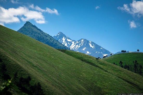 The beautiful scenery of the mountain Ingushetia, Russia photo 7