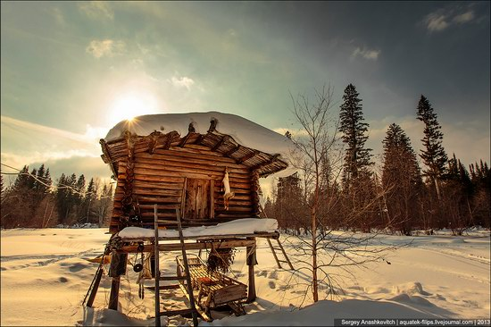 Khanty people cabins in winter, Russia photo 2
