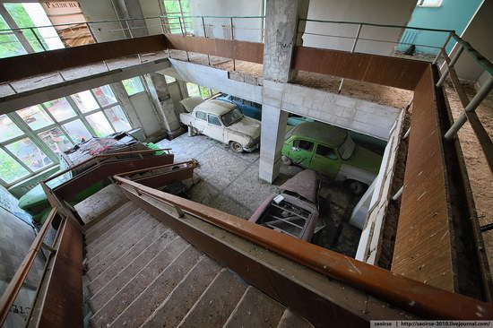 Abandoned Summer Camp with Retro Cars, Moscow region, Russia photo 11