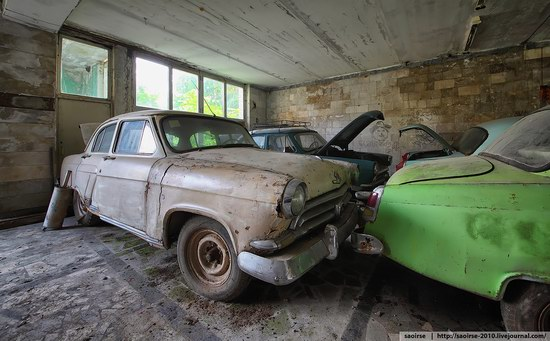 Abandoned Summer Camp with Retro Cars, Moscow region, Russia photo 16