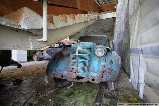 Abandoned Summer Camp with Retro Cars, Moscow region, Russia photo 18