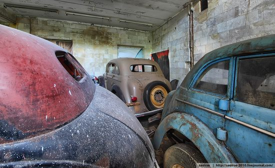 Abandoned Summer Camp with Retro Cars, Moscow region, Russia photo 22